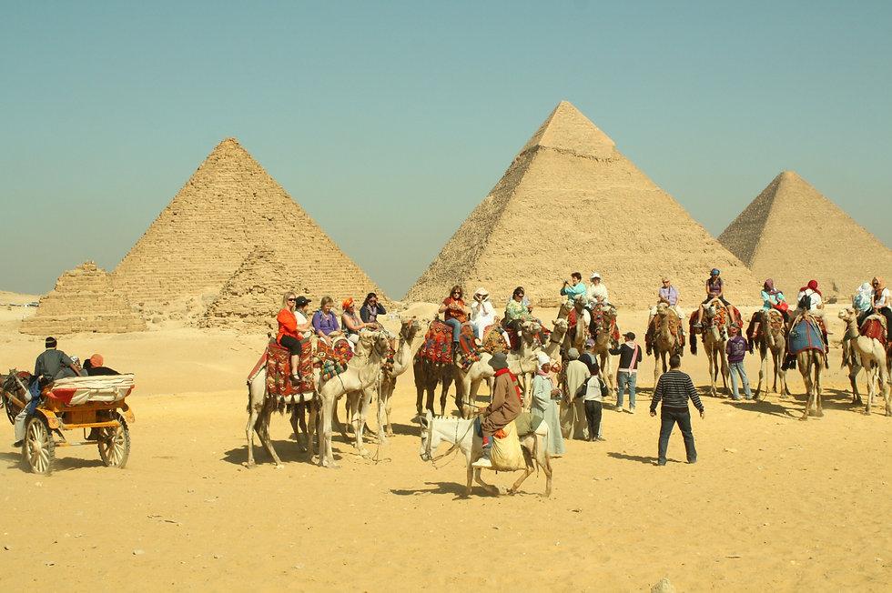 Egypt%2011%2011%20Giza%20327_edited.jpg