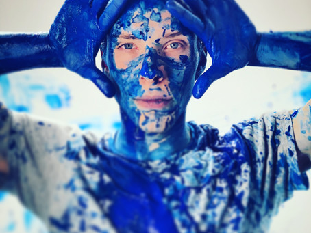 SINGER-SONGWRITER CHRIS HUTTON RELEASES 'OXYGEN'
