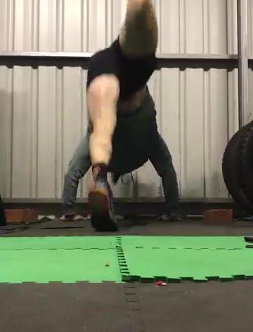 Handstand pushups on bricks