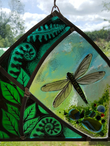 Dragonfly freestanding panel
