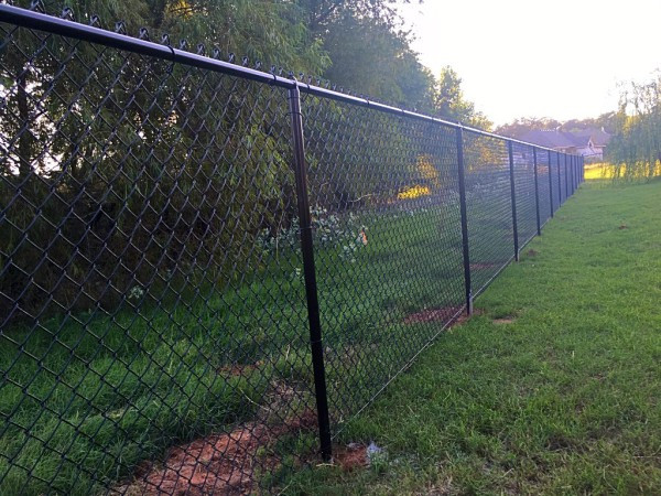 5-ft-Black-Vinyl-Chain-Link-Fence-Posts_