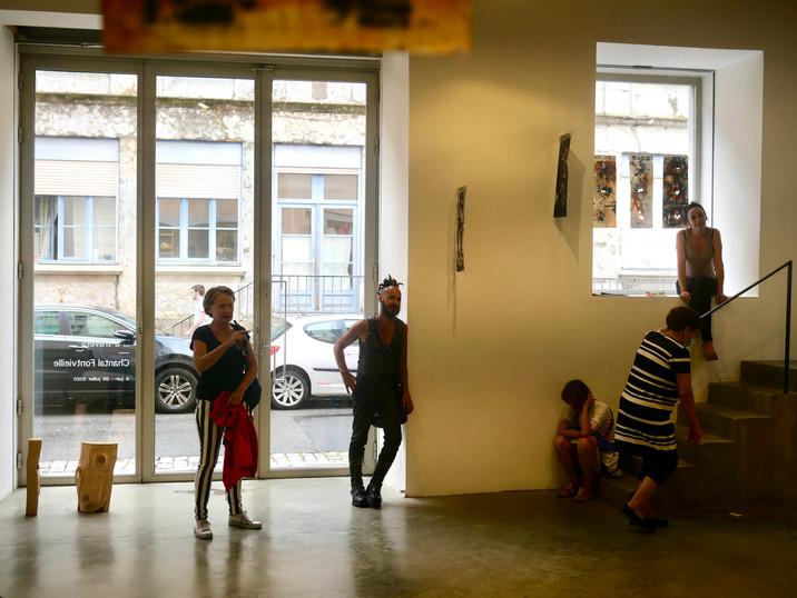 en ce si long dimanche · Galerie F. Besson