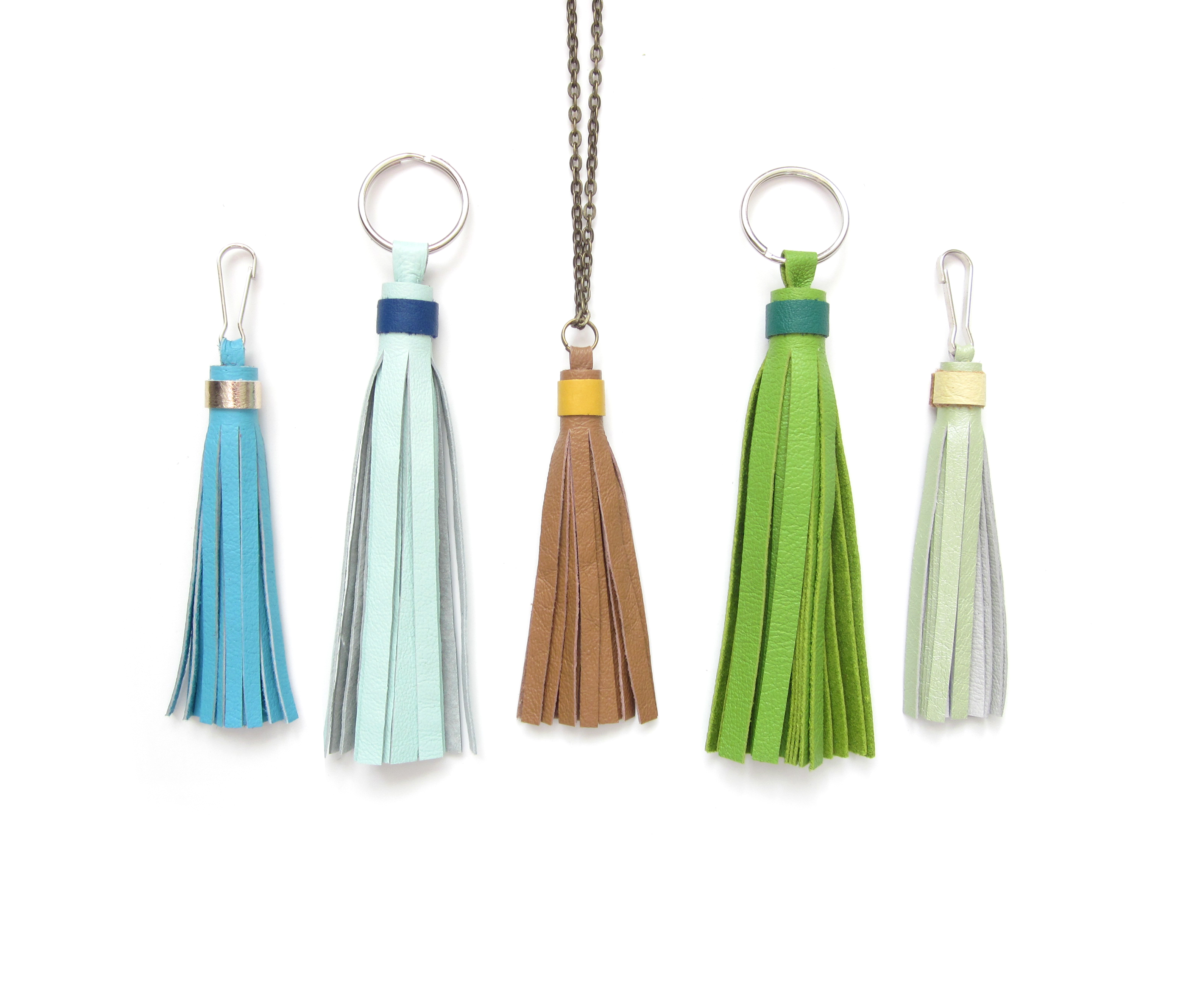 accent color ring tassel