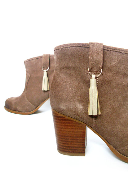 leather boot tassels