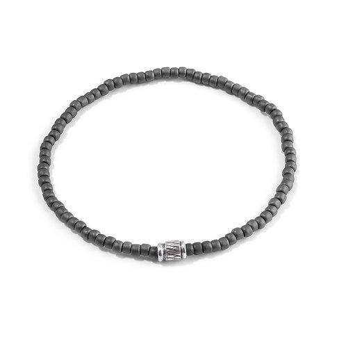 Oskar Gydell - Medium seed beads with silver inka bead