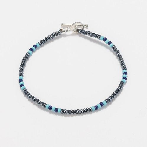 Oskar Gydell - Seed beads and toho blue - silver