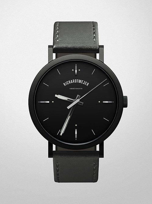 Richardt Mejer - Daily Watch / Black