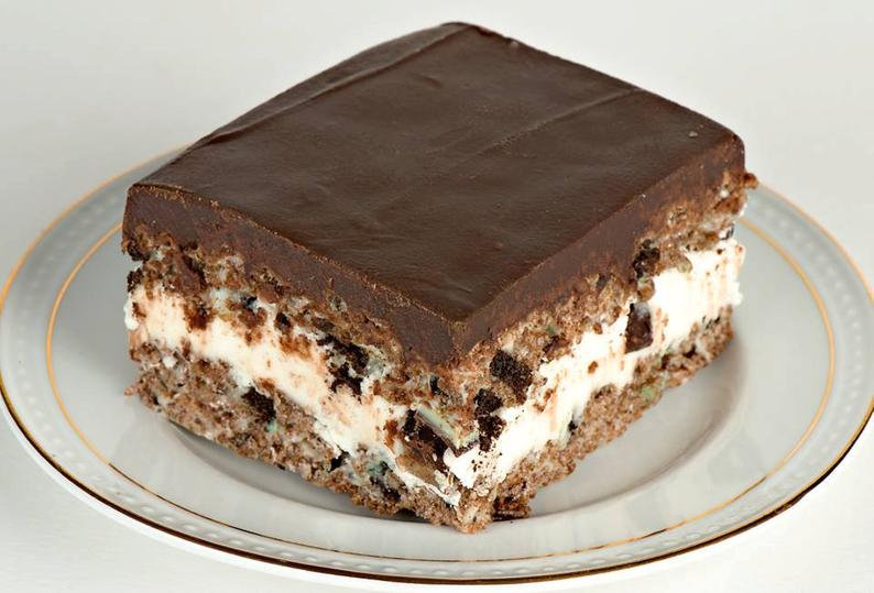 Gourmet Mint Chocolate Crispy Treat (4)