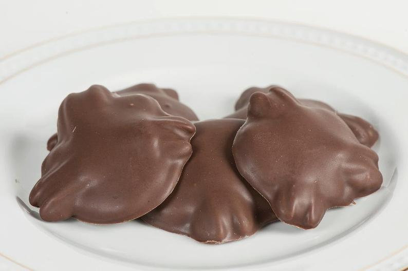 Turtles (caramel, pecans, chocolate) 1 pound