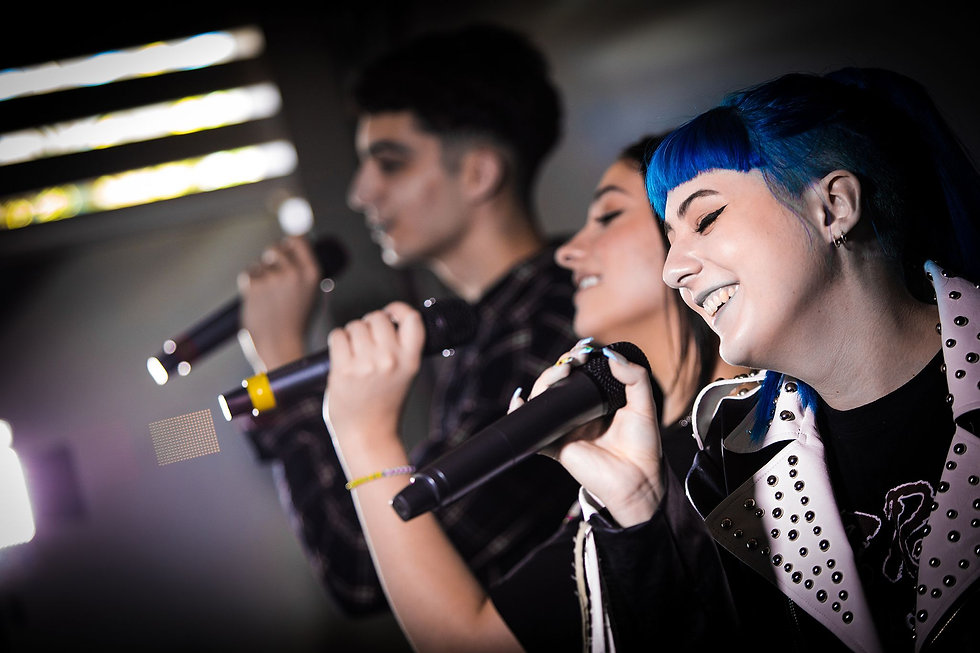 singers.jpeg