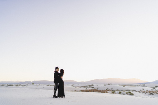 White Sands Engagment-5.jpg