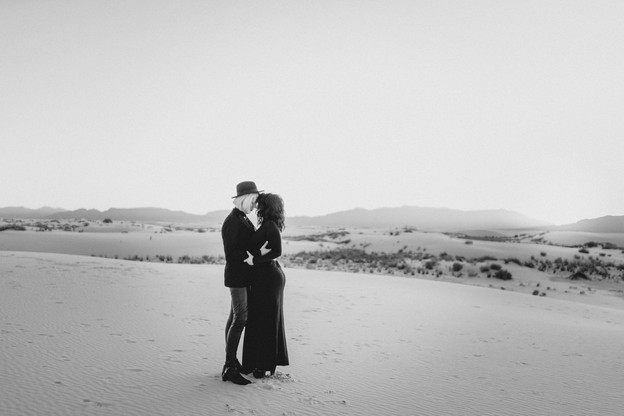 White Sands Engagment-2.jpg