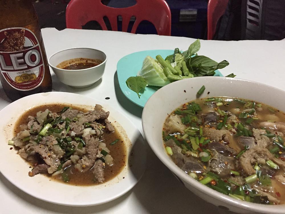 LEOビールと一緒に!タイの肉料理!