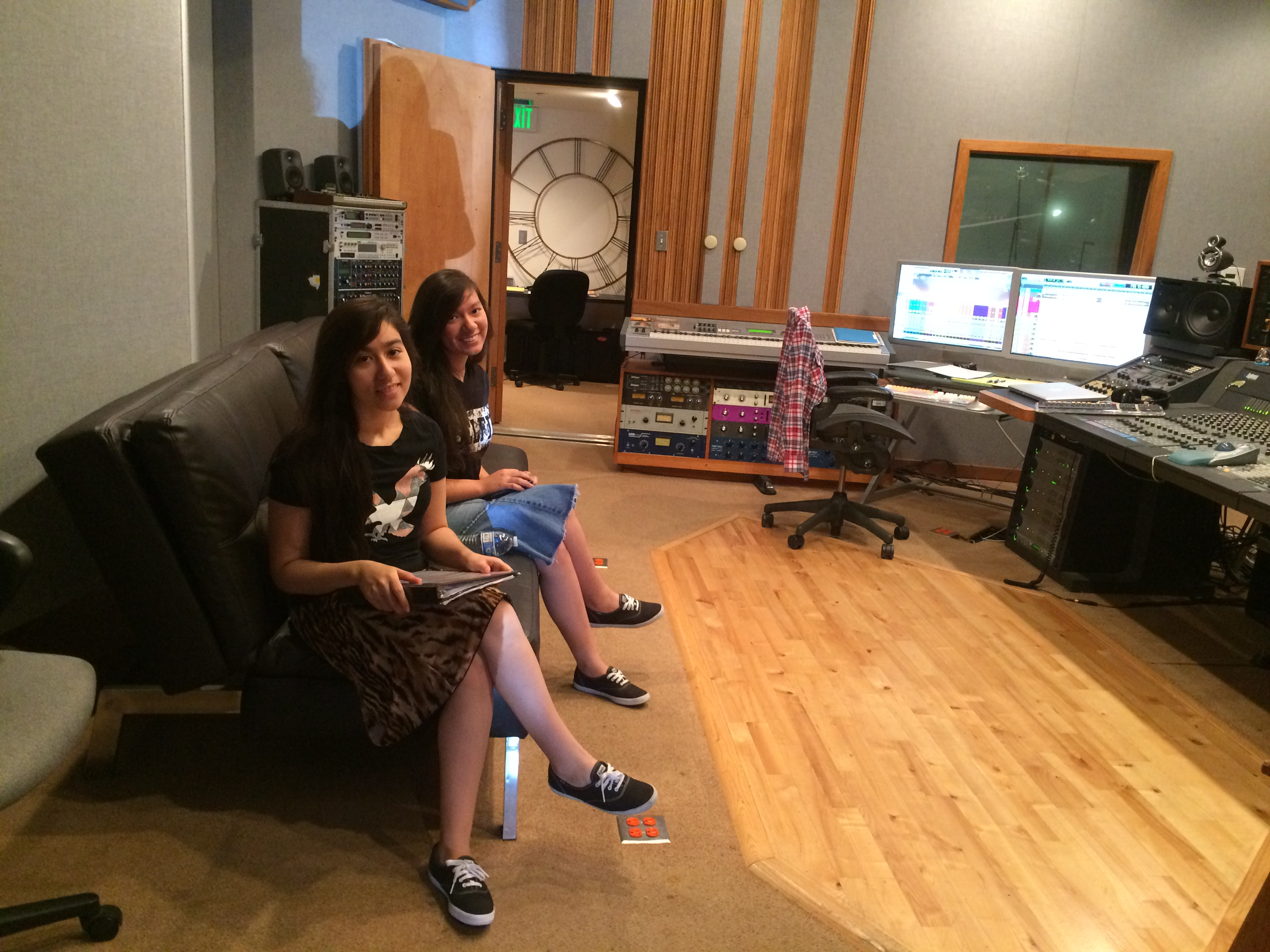 Ele & Sarai in the studio