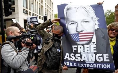 Assange y WikiLeaks piden a EU que retiren los cargos