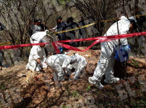 Familiares de desaparecidos localizan restos 14 personas en Acapulco