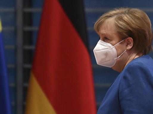 Angela Merkel cuestiona a Twitter la expulsión de Trump