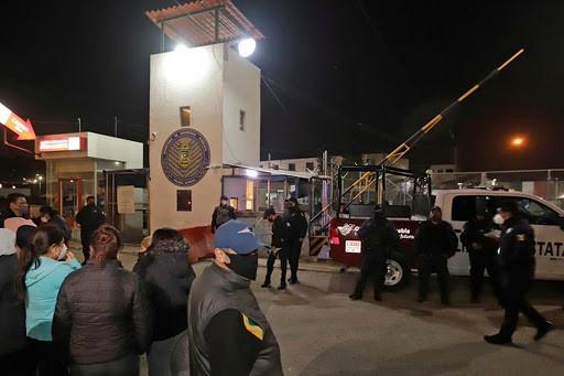 Motín en penal de Puebla deja un muerto y cinco heridos