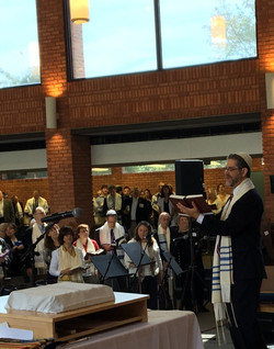 Rabbi from Bima