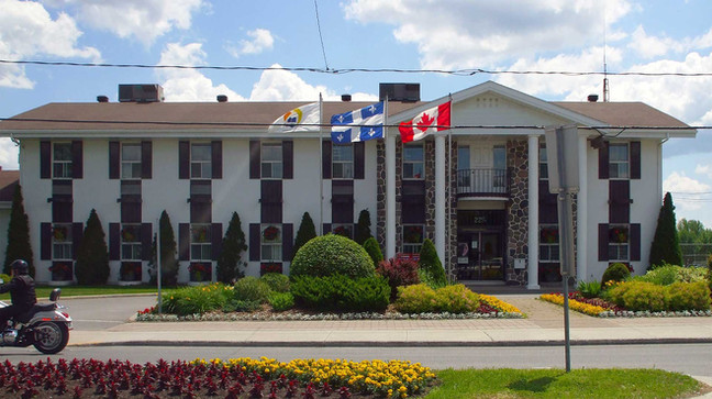 Hôtel de Ville de Notre-Dame-des-Prairies (Agrandissement et rénovation)