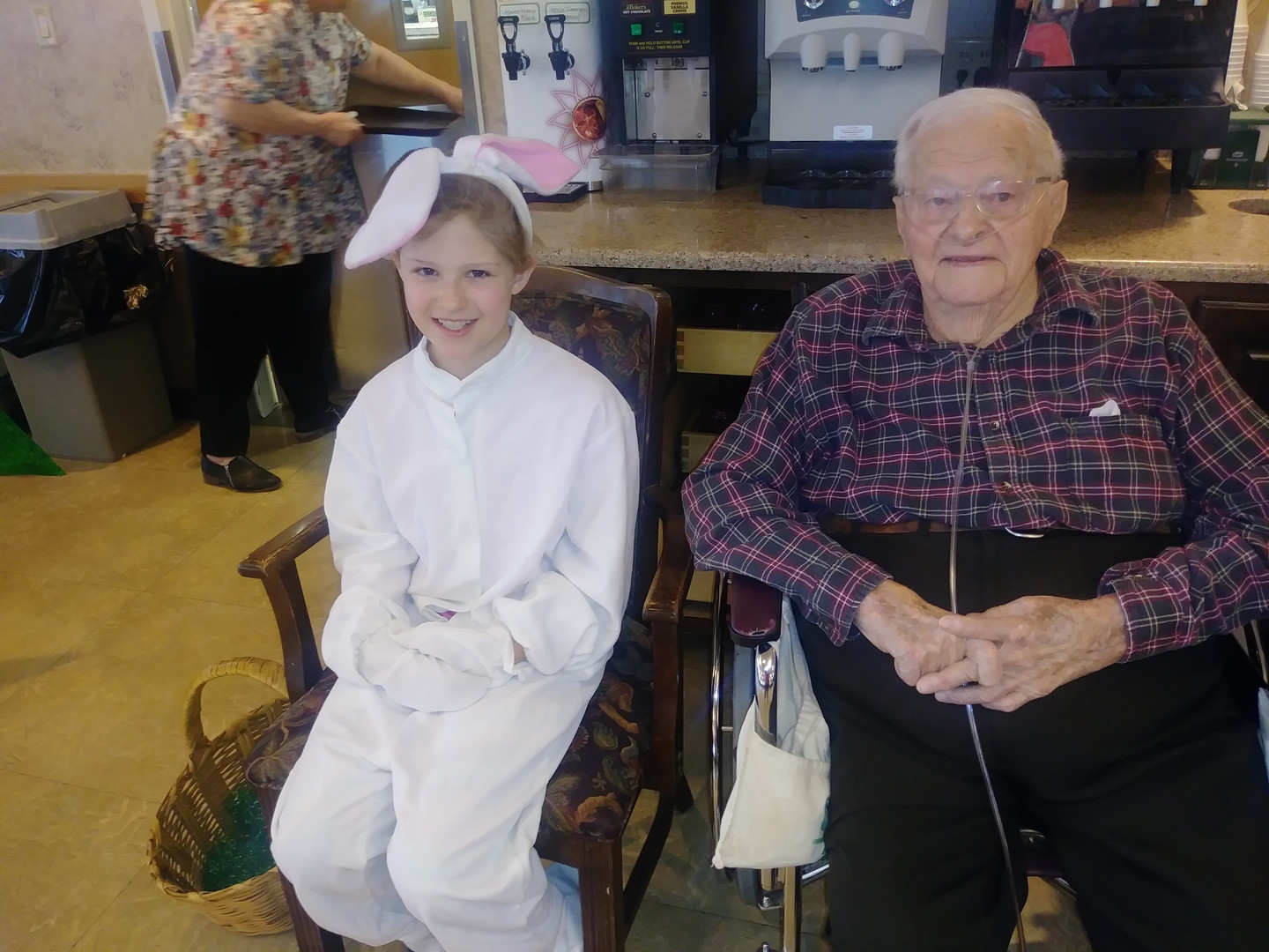 senior with easter bunny