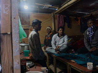 Picture story: Drinking Chai with Indian construction workers