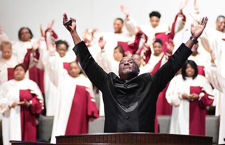 Pastor Kelly w.jpg