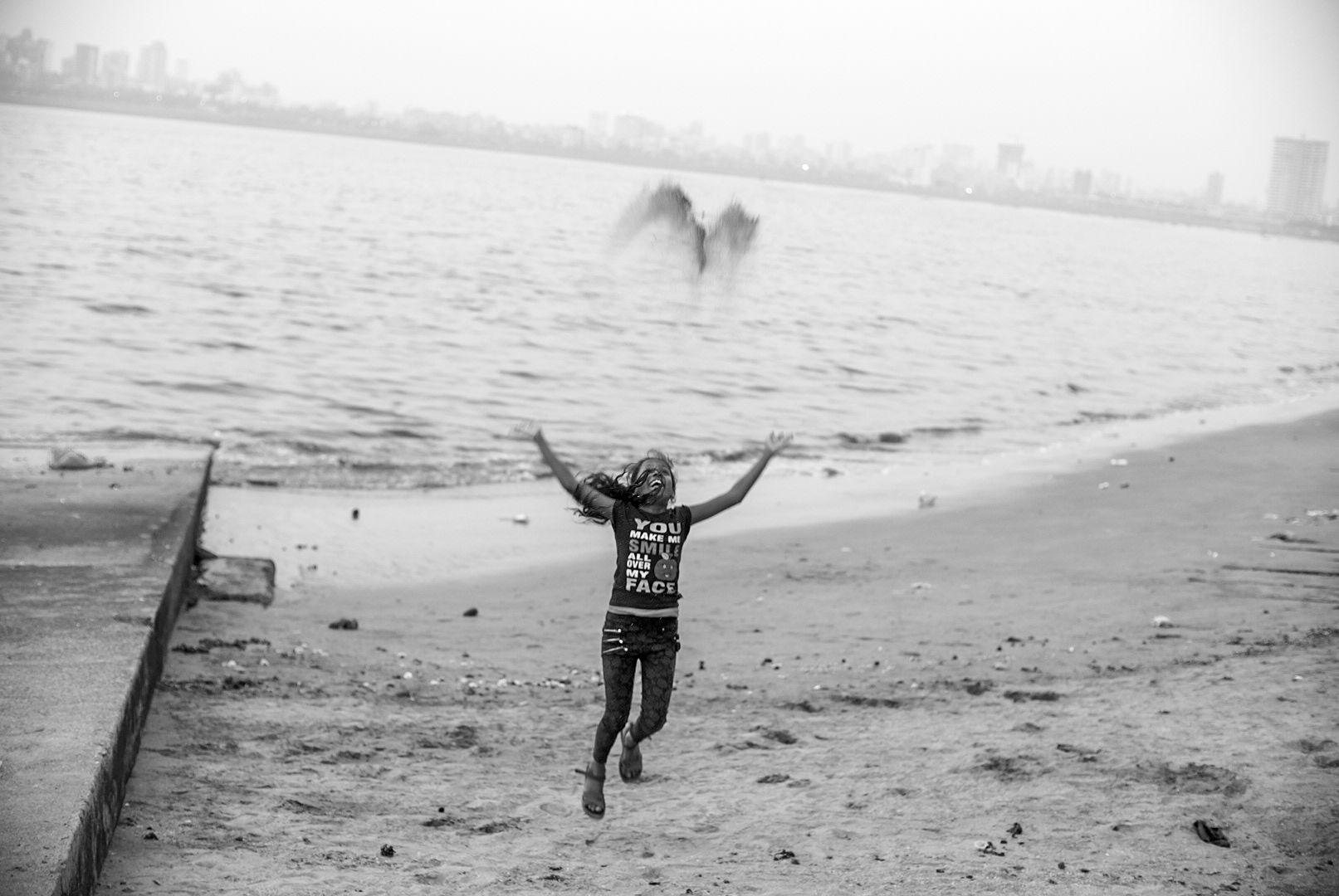 beach-mumbai-kid.jpg