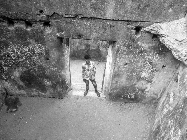 kid-in-the-fort.jpg