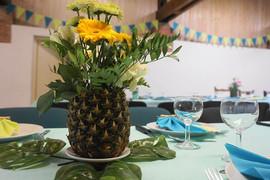 mariage tropical ananas fleuri