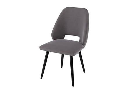 Выбираем стулья в обеденную зону.