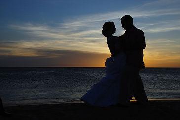 couple-1427863_1920.jpg