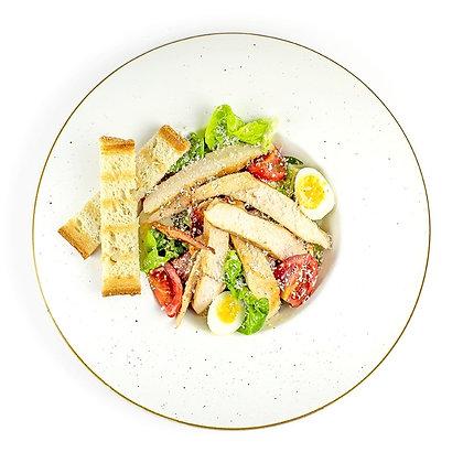 Салат Цезар з куркою, помідорами черрі та перепилиним яйцем 200г