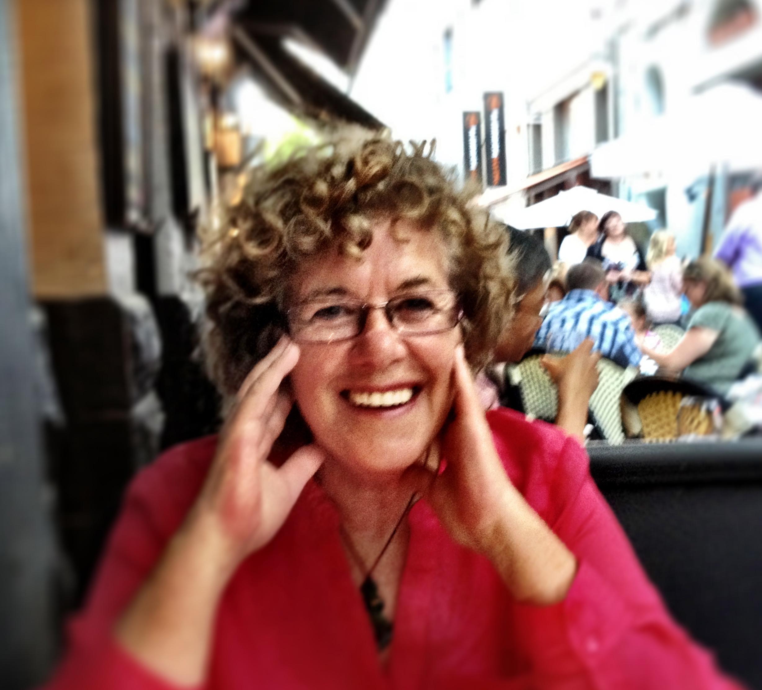Lynette colour photo