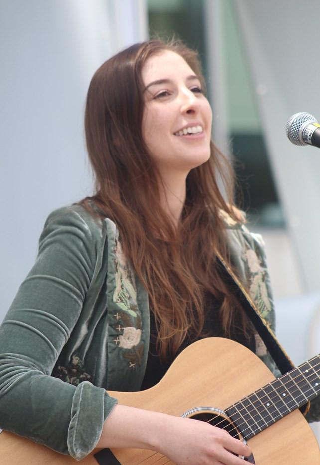 Music Mondays at Hamilton City Hall (1)