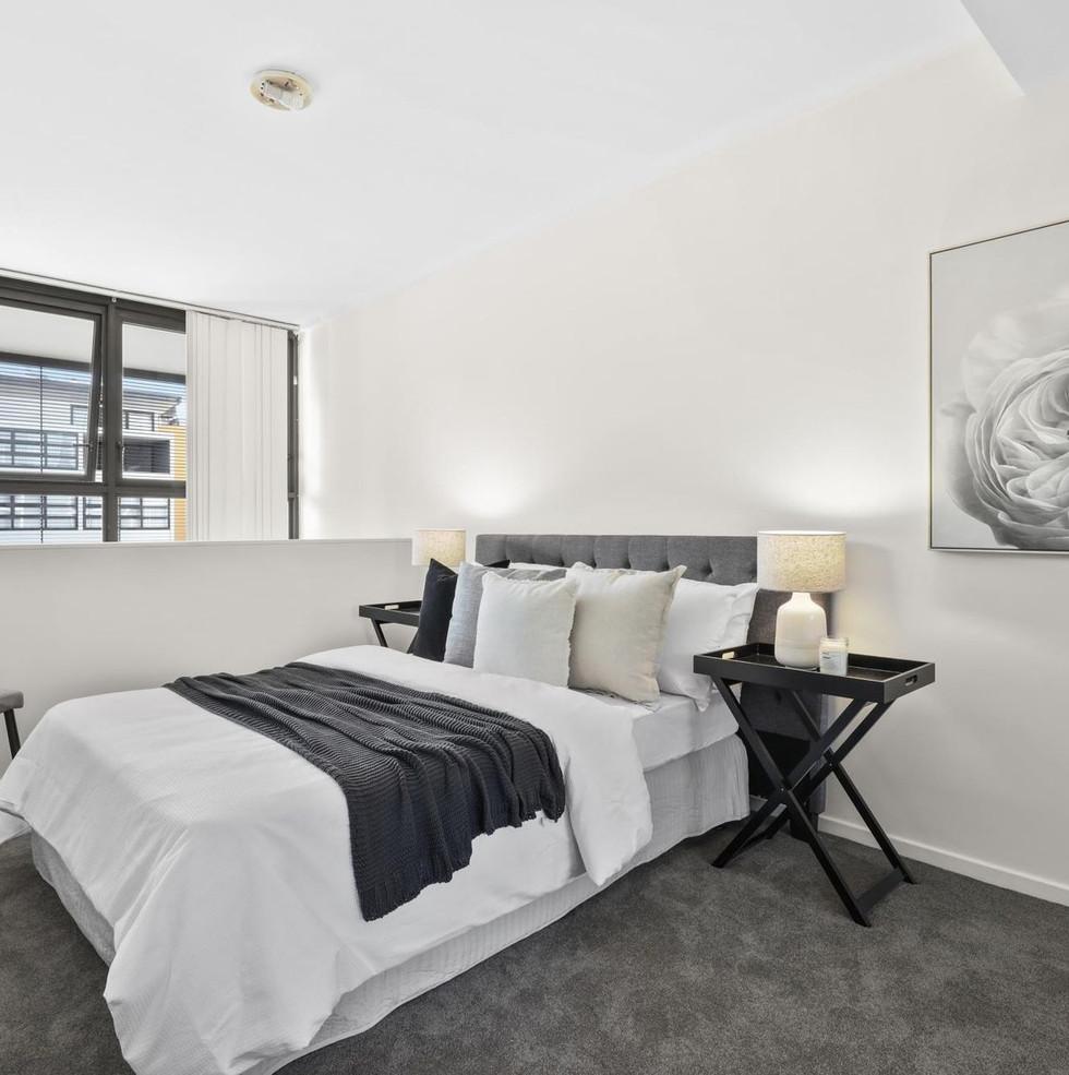 Monochrome modern Bedroom