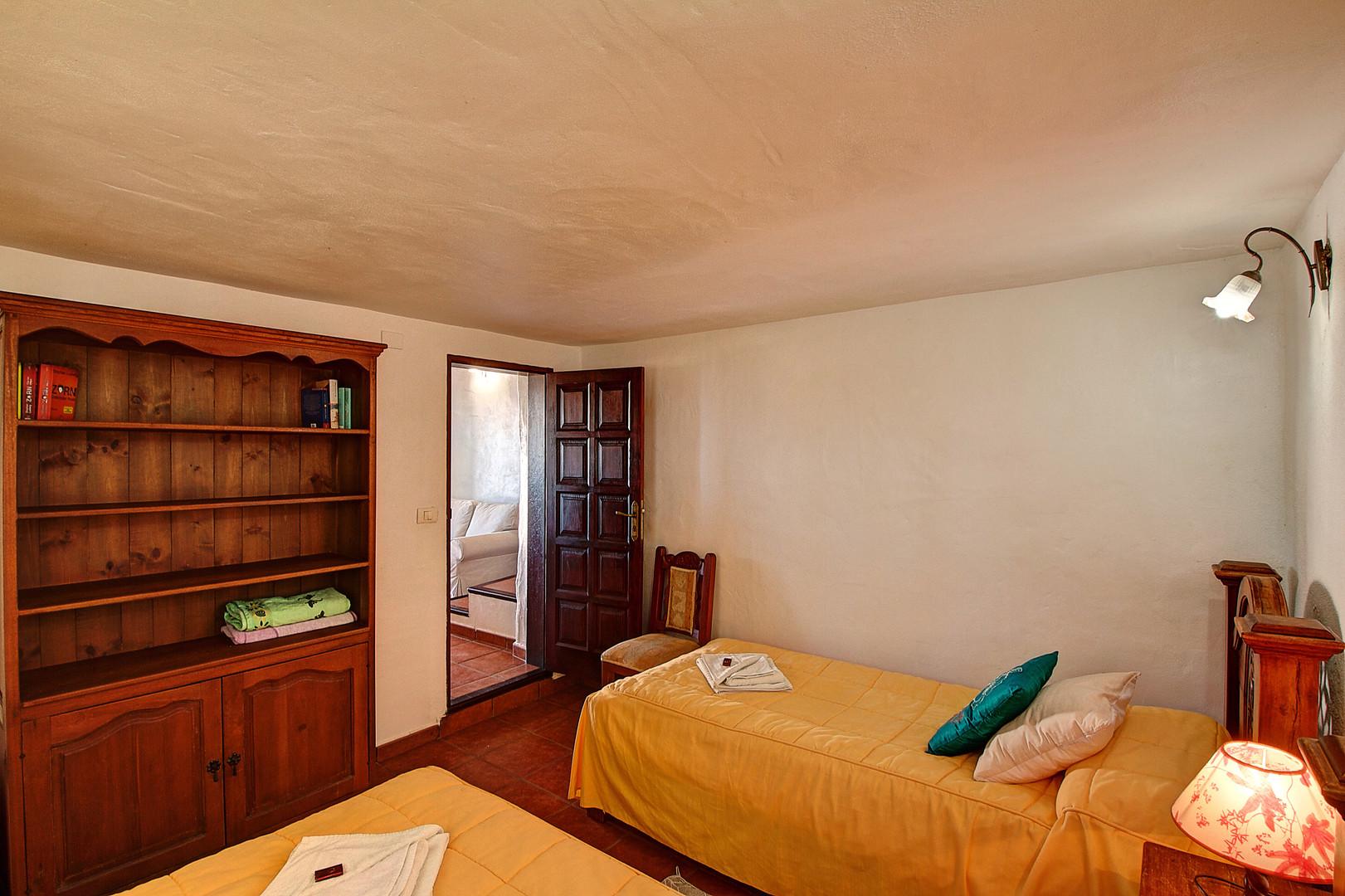 Wetside Apartment (4.).jpg