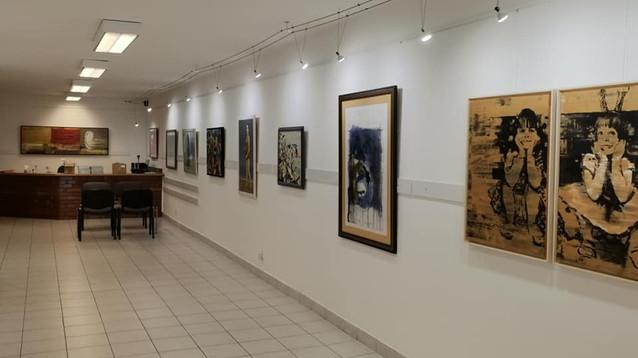 """""""Прекосявайки реката"""" – изложба на съвременно българско изкуство от колекцията на ДАРИК в Будапеща"""