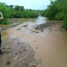 The road to Kampunu in the rain