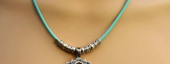 One of a Kind - Chirurgisch Staal - Lotus Necklace -  With magnetic closure
