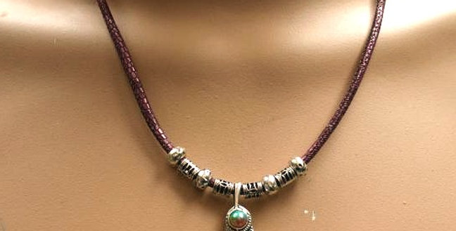 One of a Kind - Feather Necklace -  With magnetic closure