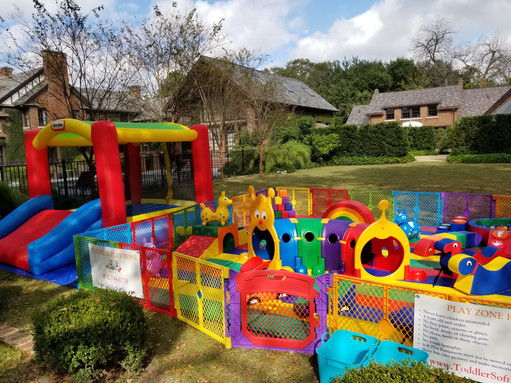 Adventure Zone w/ Toddler Bounce House
