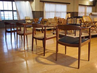 ザ・チェア「椅子の中の椅子」
