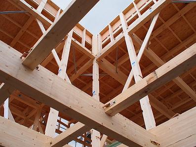 柱梁架構の構造現場