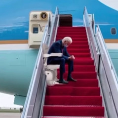 🎥 Biden Solves Critical Air Force One Safety Concern