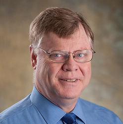 James Ramser, Jr., MD, an orthopedic surgeon specializing in hip and knee replacement