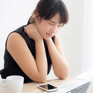 "Five simple ways to avoid ""tech neck"" complications"