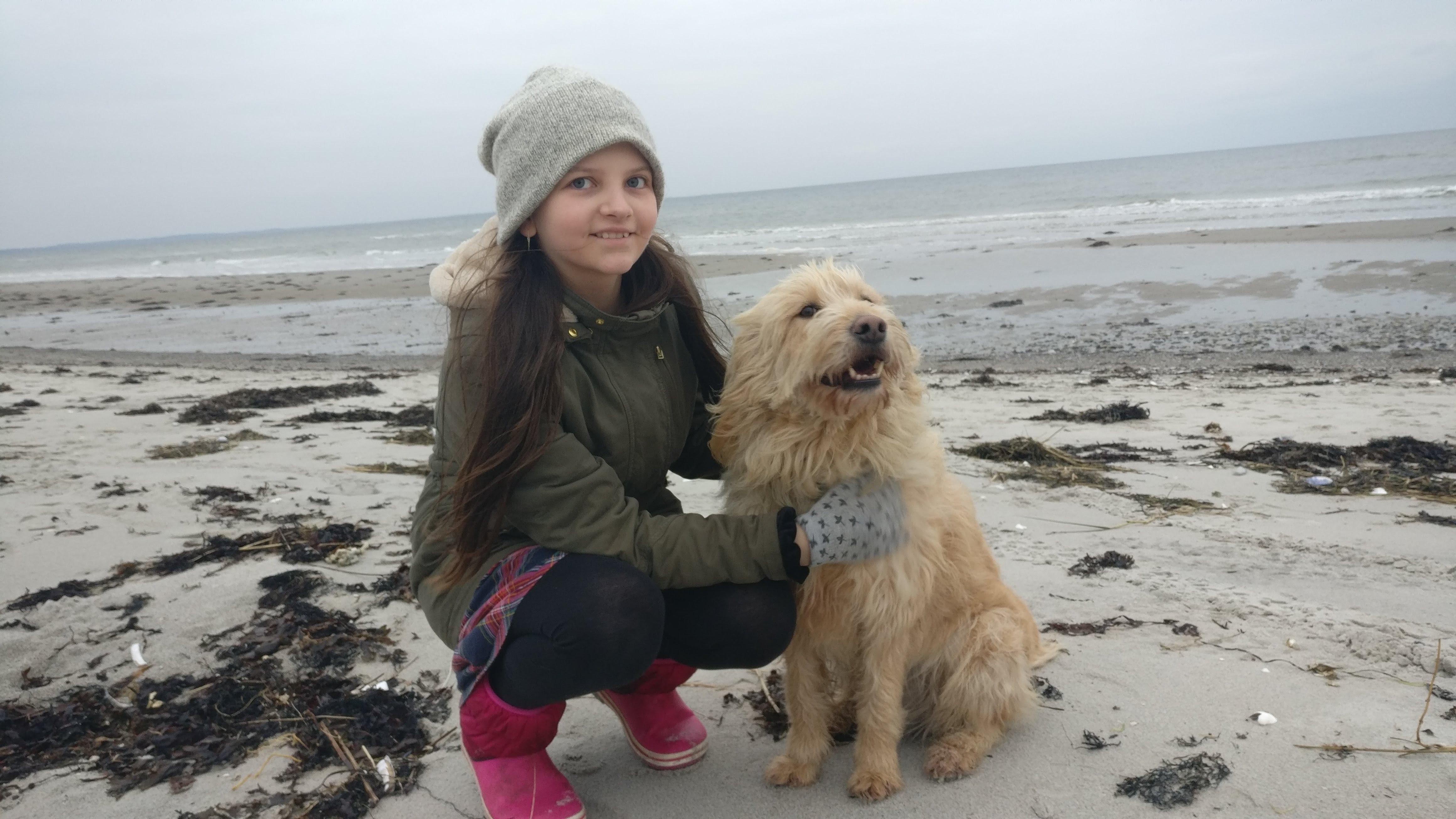 Emmely med hendes hund Lizzie