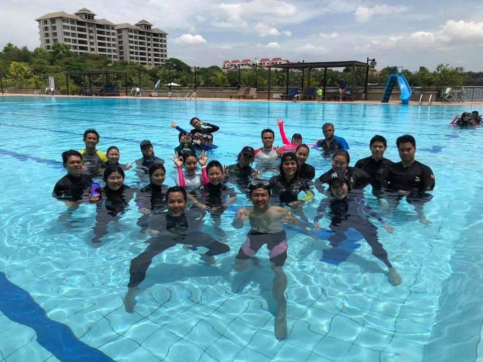 Freedivers in Bangkok
