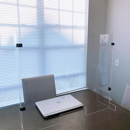 Acrylic Glass Desktop Partition 4.jpg